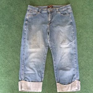 Lee Riveted cropped jeans. Size 16M